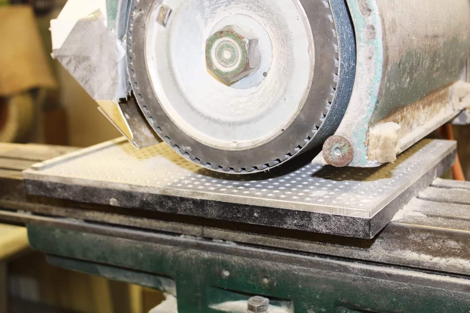 Thohr Hornplatten-Schleifmaschine